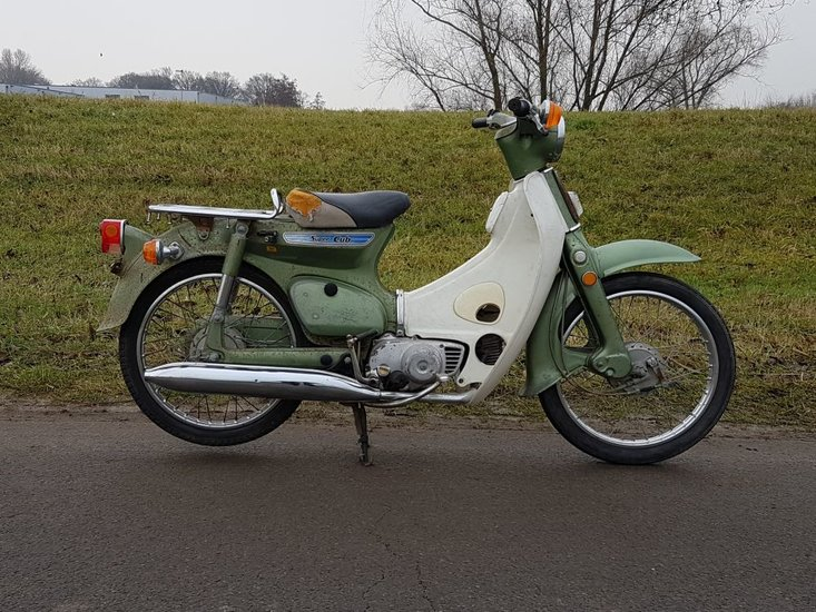 Honda-C50-K1-Japans-(04)-8225-km
