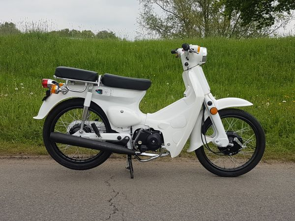 Replica-Cub,-50cc,-snorfiets-(geen-helm-plicht)