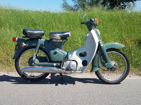 Honda-C50-OT-Japans-(05)-0110-km,-met-kenteken!