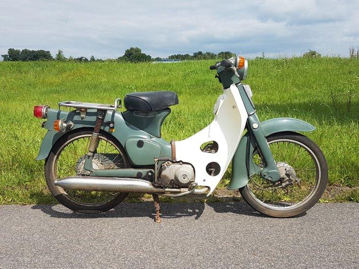 Honda-C50-OT-Japans-(11)-grijs,-met-kenteken,-3321-km