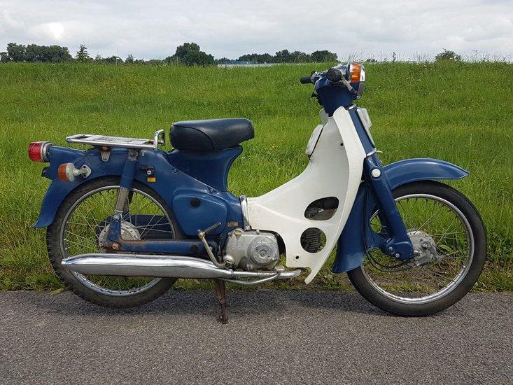 Honda-C50-OT-Japans-(08)-Blauw,-26904-km