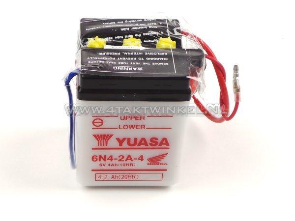 Accu-6-volt-4-ampere,-C50,-CB50,-zuur-accu,-Yuasa,-origineel-Honda