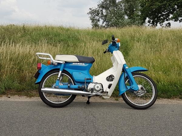 Honda-C70,-TT,-Motorkenteken
