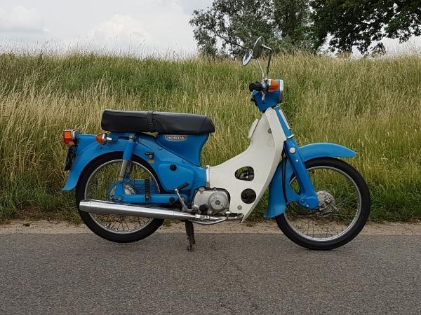 Honda-C70,-Motorkenteken,-OT