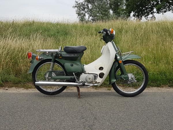 Honda-C50-K1-Japans-(11)-3250-km