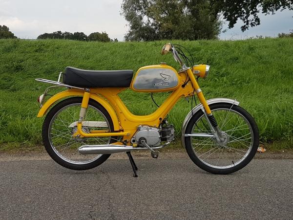 GERESERVEERD-!-Honda-PS50,-50cc,-met-kenteken